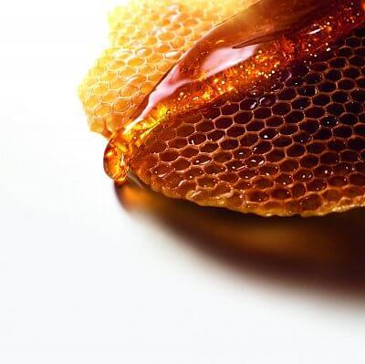 عسل خام وحشی با موم
